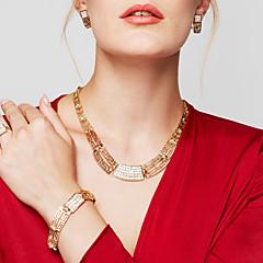 Kadın's Takı Seti Açıklama Kolye Bileklik Küpe Yüzük Mücevher Altın Kaplama 18K altın Moda İfade Takıları kostüm takısı Mücevher Uyumluluk