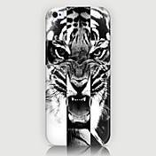el teléfono modelo del tigre detrás encajona la cubierta para iphone5c