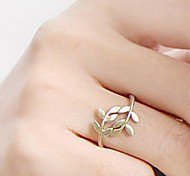 cheap -Women's Alloy Leaf Statement Ring - Fashion / Simple Style Gold / Silver Ring For Party / Daily / Casual