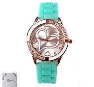 Personalisierte Geschenke für Frauen Liebes-Muster Zifferblatt Grün Rubber Band Analog Gravierte Uhr mit Strass