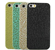 cheap -Hollow Design Pattern Hard Case for iPhone 4/4S (Assorted Colors)
