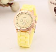 cheap -Women's Quartz Wrist Watch Casual Watch Silicone Band Charm Fashion Black White Blue Red Green Pink Yellow Rose