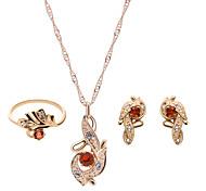 Недорогие -Жен. Комплект ювелирных изделий - Стразы, Позолоченное розовым золотом Мода Включают Красный / Розовый Назначение Свадьба / Для вечеринок / кольца / Серьги / Ожерелья