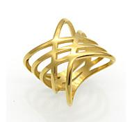 baratos -Homens Mulheres Anéis Grossos Original Geométrico Vintage Personalizado Rock Euramerican Dupla camada Moda Aço Titânio 18K ouro Quadrado