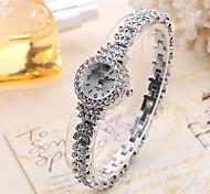 Disu Women Fashion Watch Wristwatch Unique Creative Casual Cool Ladies Watches Quartz Alloy Band Charm Luxury Female Relogio Feminino Jewelry