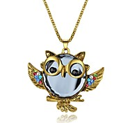 Women's Pendant Necklaces Imitation Diamond Animal Shape Alloy Fashion Classic Jewelry For Party Gift Daily Evening Party Stage