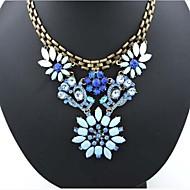 Недорогие Украшения в цветочном стиле-Европейский алмазов (цветок) золотой сплав заявление ожерелье (синий) (1 шт)