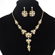 tanie -Damskie Biżuteria Ustaw Sztuczna perła, Imitacja diamentu Kwiat Europejskie, Moda, Elegancja Zawierać Naszyjniki Kolczyki Złoty Na Ślub Impreza Zaręczynowy Prezent Codzienny