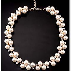 Damskie Oświadczenie Naszyjniki Pearl Strands Perłowy Imitacja diamentu Stop Słodkie Style biżuteria kostiumowa Biżuteria Na Impreza