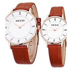 preiswerte Armbanduhren für Paare-KEZZI Paar Armbanduhr Quartz Schlussverkauf Cool / Leder Band Analog Freizeit Minimalistisch Schwarz / Weiß / Braun - Weiß Schwarz Braun