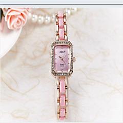 preiswerte Damenuhren-Damen Armbanduhr Schlussverkauf Keramik Band Freizeit / Modisch / Simulierte Diamant-Uhr Schwarz / Weiß / Gold