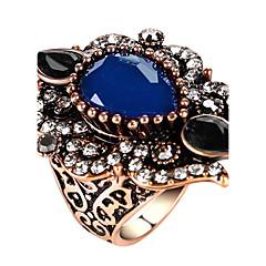 preiswerte Ringe-Damen Statement-Ring Ring - Glas, Aleación Erklärung, damas, Personalisiert, Luxus, Einzigartiges Design, Retro Schmuck Rot / Grün / Blau Für Party Jahrestag Geburtstag Abschluss Danke Geschäft 7 / 8