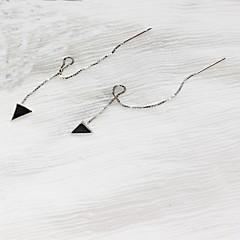 halpa Korvakorut-Naisten Niittikorvakorut Korut Muoti minimalistisesta Sterling-hopea Line Shape Triangle Shape Korut Käyttötarkoitus Päivittäin Bile