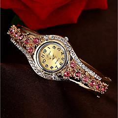 preiswerte Tolle Angebote auf Uhren-Damen Modeuhr Armband-Uhr Simulierter Diamant Uhr Quartz Wasserdicht Chronograph Armbanduhren für den Alltag Legierung Band Analog Armreif Mehrfarbig Weihnachten Gold - Purpur Fuchsia Blau und Lila
