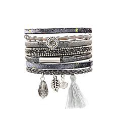 preiswerte Armbänder-Damen Lederarmbänder / Armband mit Anhänger - Leder Böhmische, Modisch Armbänder Braun / Rot / Grün Für Geschenk / Alltag