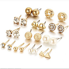 お買い得  イヤリング-女性用 真珠 幾何学模様 スタッドピアス / フープピアス  -  人造真珠 シンプル, ベーシック ゴールド / シルバー 用途 日常 / パーティー