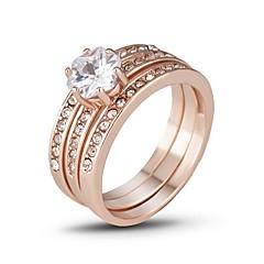 preiswerte Ringe-Damen Kubikzirkonia Stapel Ring - Kupfer Luxus 6 / 7 / 8 / 9 Rotgold Für Geschenk