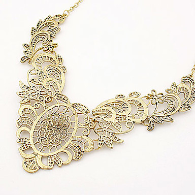 Fashionable Alloy Hollow-out Flower Pattern Necklace