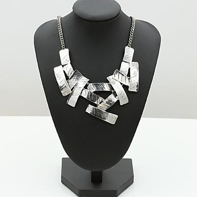Női Divat minimalista stílusú Nyaklánc medálok Ötvözet Nyaklánc medálok , Különleges alkalom Születésnap